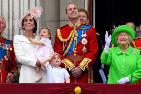 Photo of Queen Elizabeth II, Prince Charles,Prince Harry, Kate Middleton, and Kate and Charles